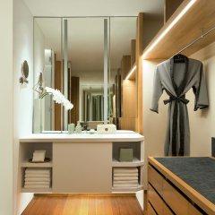 Chiva-Som International Health Resort Hotel сейф в номере