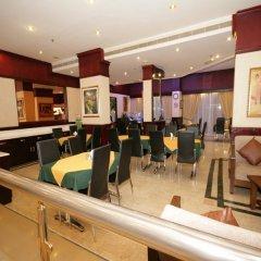 Отель Claridge Hotel ОАЭ, Дубай - отзывы, цены и фото номеров - забронировать отель Claridge Hotel онлайн питание фото 3