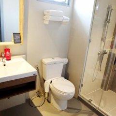 Отель ZEN Rooms Ekkamai 6 Таиланд, Бангкок - отзывы, цены и фото номеров - забронировать отель ZEN Rooms Ekkamai 6 онлайн ванная фото 2