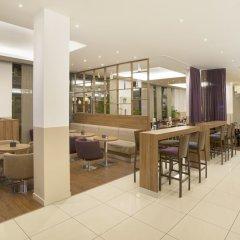 Отель Holiday Inn Express Frankfurt City Hauptbahnhof гостиничный бар фото 3