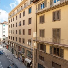 Апартаменты Michelangelo Apartment Near Pontevecchio комната для гостей фото 6