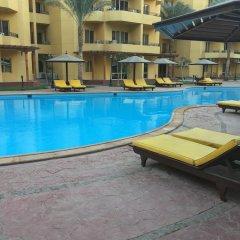 Отель Pool View Apart At British Resort 221 бассейн фото 3