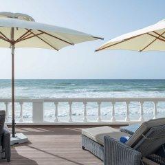 Radisson Blu Hotel, Ajman пляж фото 2