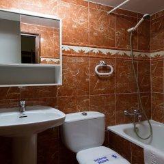 Отель Hostal Casa Bueno Испания, Мадрид - отзывы, цены и фото номеров - забронировать отель Hostal Casa Bueno онлайн ванная фото 2