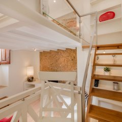 Отель Lapa Cozy Flat With Mezzanine Лиссабон сейф в номере