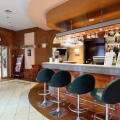 Отель Qubus Hotel Wroclaw Польша, Вроцлав - 1 отзыв об отеле, цены и фото номеров - забронировать отель Qubus Hotel Wroclaw онлайн гостиничный бар
