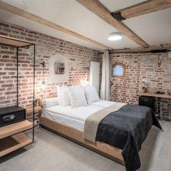 Rixwell Old Riga Palace Hotel сейф в номере