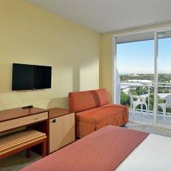 Отель Sol Costa Daurada Salou комната для гостей