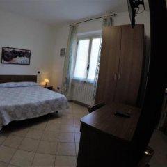 Отель Locanda Da Marco Пиньоне сейф в номере