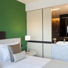 Отель Crowne Plaza Geneva Швейцария, Женева - отзывы, цены и фото номеров - забронировать отель Crowne Plaza Geneva онлайн сейф в номере