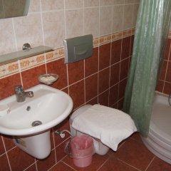 George & Dragon Beach Hotel Турция, Мармарис - отзывы, цены и фото номеров - забронировать отель George & Dragon Beach Hotel онлайн ванная