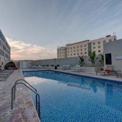 Maisan Hotel бассейн