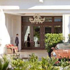 Отель Mr. C Beverly Hills парковка