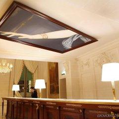Отель Le Meurice Dorchester Collection Париж развлечения