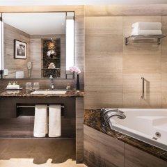 Отель Millennium Hilton Seoul Южная Корея, Сеул - 1 отзыв об отеле, цены и фото номеров - забронировать отель Millennium Hilton Seoul онлайн ванная