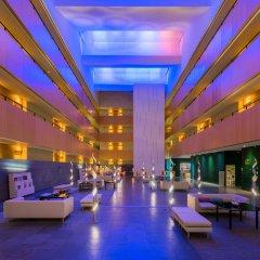 Отель TRYP Barcelona Aeropuerto Hotel Испания, Эль-Прат-де-Льобрегат - 7 отзывов об отеле, цены и фото номеров - забронировать отель TRYP Barcelona Aeropuerto Hotel онлайн интерьер отеля