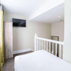 Отель Phoenix Hotel Великобритания, Лондон - 11 отзывов об отеле, цены и фото номеров - забронировать отель Phoenix Hotel онлайн балкон
