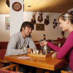 Hotel Alpina Пинцоло гостиничный бар