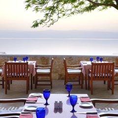 Отель Dead Sea Marriott Resort & Spa Иордания, Сваймех - отзывы, цены и фото номеров - забронировать отель Dead Sea Marriott Resort & Spa онлайн питание фото 2