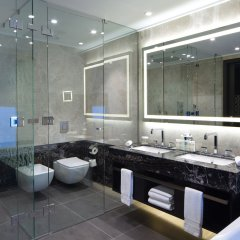 DoubleTree by Hilton Hotel Minsk ванная фото 7