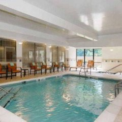 Отель Courtyard Vicksburg бассейн