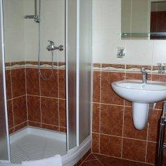 Отель Villa Gloria ванная фото 2