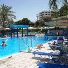 Отель Romantza Mare бассейн