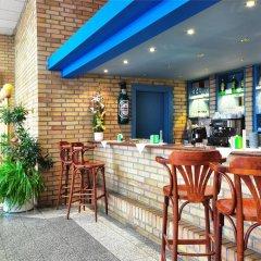 Отель Olympik Artemis Прага гостиничный бар