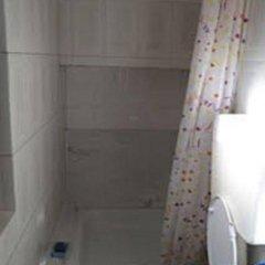 Отель Private Rooms/Duplex Apt.@Lisbon Center ванная фото 2