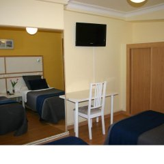 Отель Hostal Mara Испания, Ла-Корунья - отзывы, цены и фото номеров - забронировать отель Hostal Mara онлайн комната для гостей фото 3