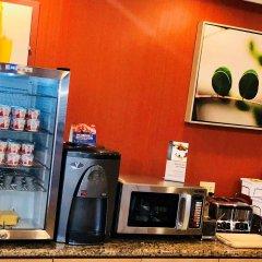 Отель Best Western Plus Rama Inn & Suites питание фото 3