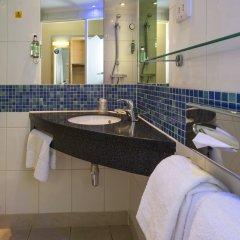 Отель Holiday Inn Express Edinburgh Royal Mile Эдинбург ванная