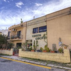 Отель Green Grove Guest House парковка