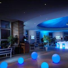 Отель Grand Millennium Al Wahda интерьер отеля