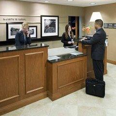 Отель Hampton Inn & Suites Tulare интерьер отеля фото 3