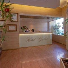 Отель Hostal Gallet Испания, Курорт Росес - отзывы, цены и фото номеров - забронировать отель Hostal Gallet онлайн интерьер отеля