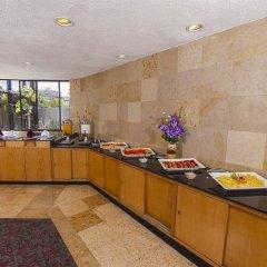 Отель El Diplomatico Hotel Мексика, Мехико - отзывы, цены и фото номеров - забронировать отель El Diplomatico Hotel онлайн питание фото 3