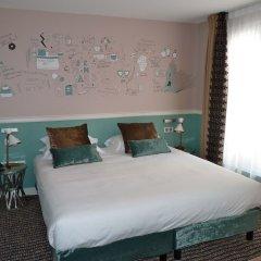 Отель Hôtel des 3 Poussins Франция, Париж - 3 отзыва об отеле, цены и фото номеров - забронировать отель Hôtel des 3 Poussins онлайн комната для гостей фото 4
