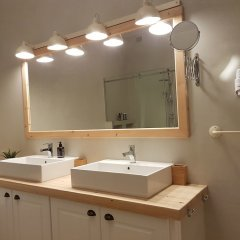 Отель Sunny & Light Art Deco Греция, Афины - отзывы, цены и фото номеров - забронировать отель Sunny & Light Art Deco онлайн ванная