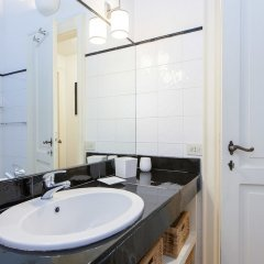 Отель Rental In Rome Teatro Pace ванная фото 2