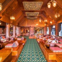 Royal Orchid Sheraton Hotel & Towers интерьер отеля
