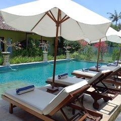 Отель Aleesha Villas бассейн фото 3