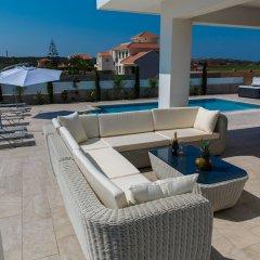 Отель Villa Andriana бассейн фото 3