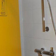 Отель Hôtel & Résidence de la Mare Франция, Париж - отзывы, цены и фото номеров - забронировать отель Hôtel & Résidence de la Mare онлайн ванная фото 3