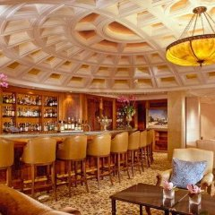 Отель Adlon Kempinski бар