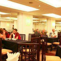 Отель Medallion Hanoi Hotel Вьетнам, Ханой - отзывы, цены и фото номеров - забронировать отель Medallion Hanoi Hotel онлайн питание фото 2