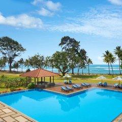 Отель Cinnamon Bey Шри-Ланка, Берувела - 1 отзыв об отеле, цены и фото номеров - забронировать отель Cinnamon Bey онлайн бассейн фото 2
