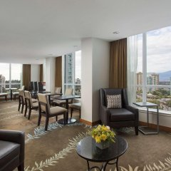 Отель Hilton Vancouver Metrotown Канада, Бурнаби - отзывы, цены и фото номеров - забронировать отель Hilton Vancouver Metrotown онлайн комната для гостей фото 3