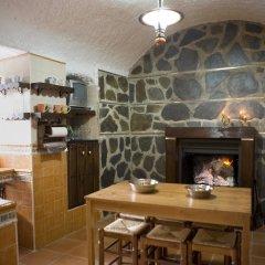 Отель Cuevalia. Alojamiento Rural en Cueva в номере