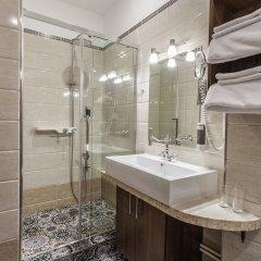 Гостиница Mini-hotel ''Silk Way'' в Санкт-Петербурге 7 отзывов об отеле, цены и фото номеров - забронировать гостиницу Mini-hotel ''Silk Way'' онлайн Санкт-Петербург ванная